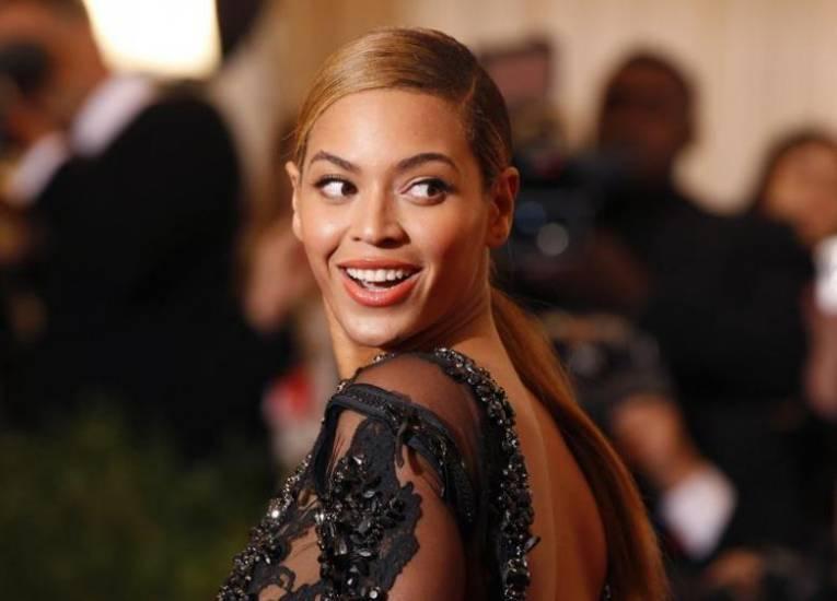 Beyoncé sbarca in Nba: la popstar vuole acquisire gli Houston Rockets